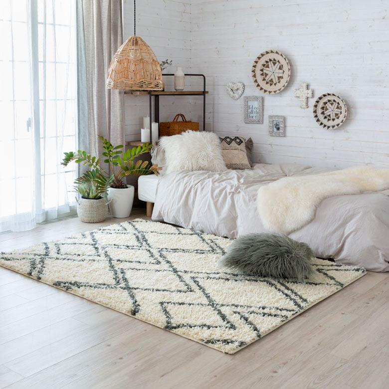 ホワイトでまとめた爽やかなBOHOスタイルなお部屋