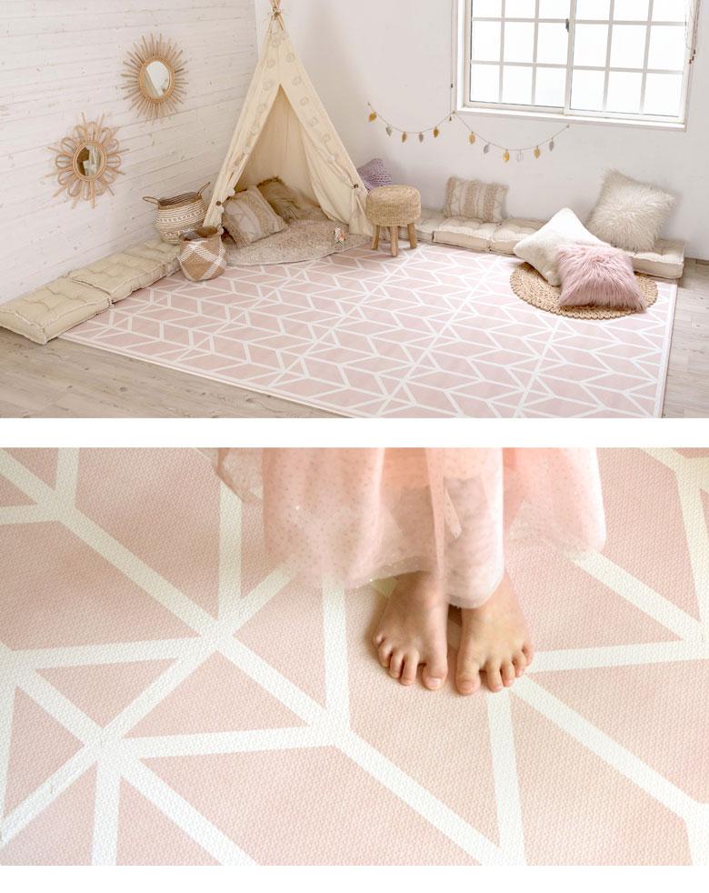 どんなお部屋にも合わせやすい。ライトピンク。