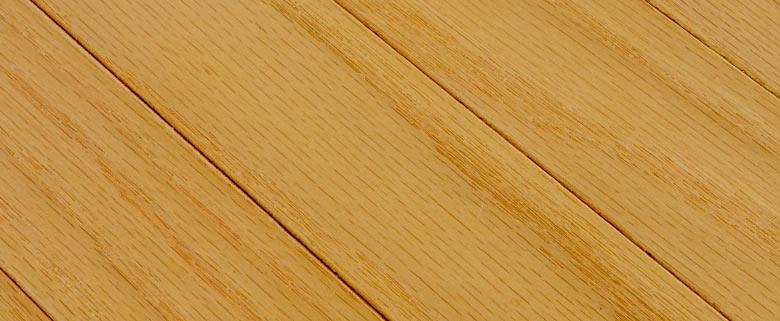 天然木使用のウッドカーペット。